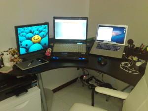 Muu?'s desk